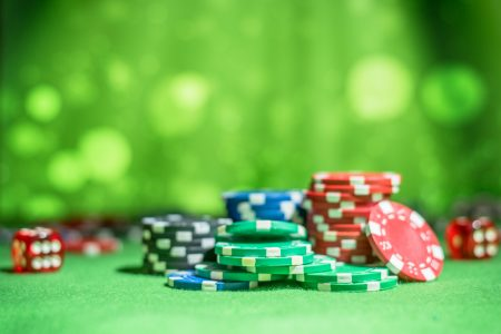 Capturing the significant risks in playing online gambling games
